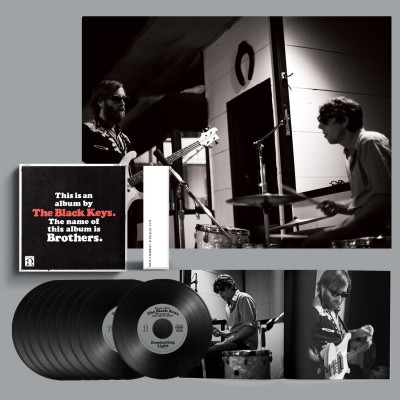 "The Black Keys | Brothers (Deluxe Remastered Anniversary Edition) (7"" Vinyl Box Set)"